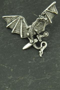 Drachen mit Schwert, Halsketten Schmuck aus Edelstahl