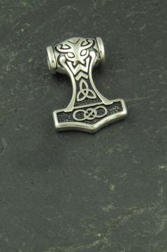 Kleiner Thors Hammer mit Maske, Wikinger Kettenanhänger aus Edelstahl